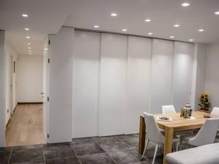 Spazi evolvibili Soggiorno moderno di Studio ARCH+D Moderno