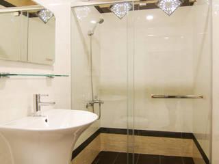 クラシックスタイルの お風呂・バスルーム の 中圓泰 / 淋浴拉門 クラシック