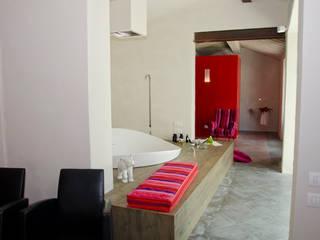 LOFT Ingresso, Corridoio & Scale in stile moderno di architetto andrea zurli Moderno