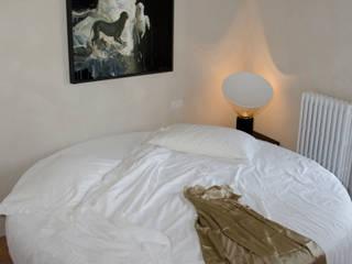 LOFT Camera da letto moderna di architetto andrea zurli Moderno