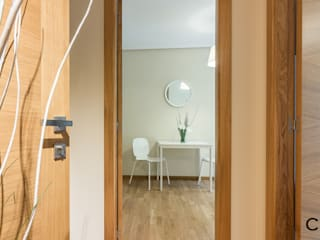 CCVO Design and Staging Corredores, halls e escadas modernos Branco