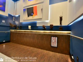 Лестницы в . Автор – Tania Bertolucci  de Souza  |  Arquitetos Associados,