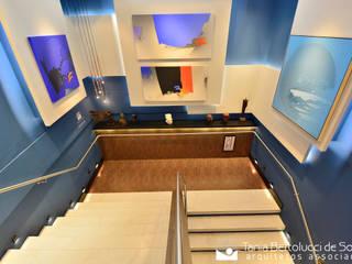 Espaço Galart - Mostra Elite Design: Escadas  por Tania Bertolucci  de Souza     Arquitetos Associados,Moderno