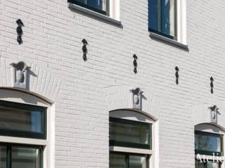 Karakterestieke villa aan de plassen van Architectenbureau Atelier3 Klassiek