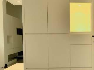 【住宅設計】桃園李公館 – 40坪現代簡約居家風:  走廊 & 玄關 by 大觀創境空間設計事務所,