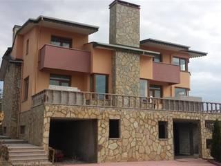 YALÇIN MİMARLIK & DEKORASYON – GÖLBAŞI'NDA MUHTEŞEM VİLLA:  tarz Villa