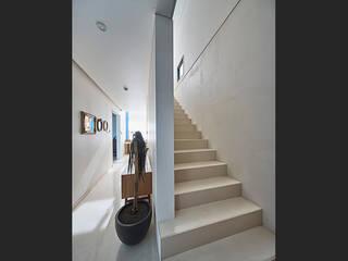 by 단감 건축사사무소 Modern