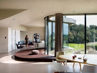 Interieurontwerp villa Yben Interieur en Projectdesign Moderne woonkamers
