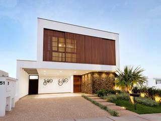 PROJETO RESIDENCIAL CONDOMÍNIO GIVERNY SP por Dib Studio Arquitetura e Interiores Moderno