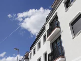 Terrazas de estilo  por MYDECK GmbH