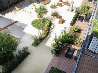 Balkon mit wetterfesten und bildschönen WPC Dielen Moderner Balkon, Veranda & Terrasse von MYDECK GmbH Modern