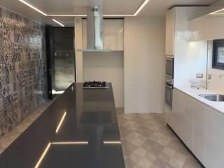2712 / asociados Dapur Modern