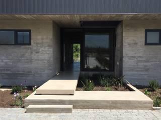 Casa DLP: Casas de estilo  por 2712 / asociados