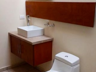 DLR ARQUITECTURA/ DLR DISEÑO EN MADERA Minimalist style bathroom Ceramic Beige