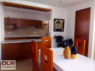 DLR ARQUITECTURA/ DLR DISEÑO EN MADERA Minimalist dining room Wood Beige