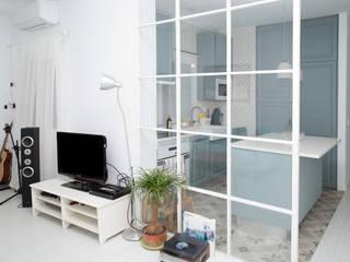 Scandinavian style living room by Remake lab Scandinavian
