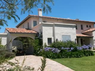 Diseño y Construcción de Casa en Haras San Pablo por Estudio Dillon Terzaghi Arquitectura: Casas de estilo  por Estudio Dillon Terzaghi Arquitectura