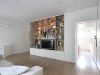 Ruang Keluarga oleh JFD - Juri Favilli Design, Minimalis