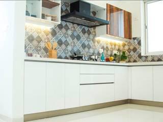 Fortius Waterscape - Model Flat:  Kitchen units by Renovatio Interio