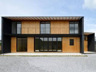 Casas de madera de estilo  por 創右衛門一級建築士事務所, Moderno