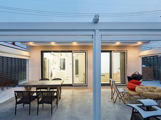 Dining room by 단감 건축사사무소