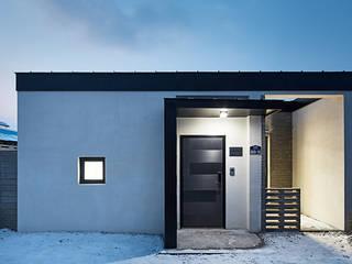 ห้องโถงทางเดินและบันไดสมัยใหม่ โดย 단감 건축사사무소 โมเดิร์น