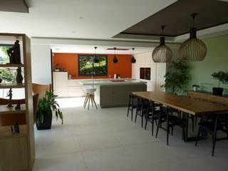 salle a manger / cuisine Salle à manger scandinave par BRUNO BINI Scandinave