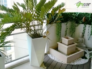 Apartment balcony at Aralias Modern garden by Grecor Modern