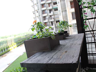 Distressed Wood Counter With Embedded Planters:  Garden by Grecor