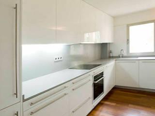 Casa BSCH Cocinas de estilo minimalista de CANTÓ ARQUITECTOS Minimalista