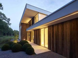 Villa de style  par Lab32 architecten