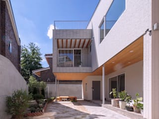SEONGBUK-DONG HOUSE with Sarang-Chae 모던스타일 주택 by IDEA5 ARCHITECTS 모던