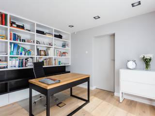 Dom w Markach: styl , w kategorii Domowe biuro i gabinet zaprojektowany przez Modify- Architektura Wnętrz