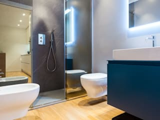 Salle de bain moderne par CLM Arredamento Moderne