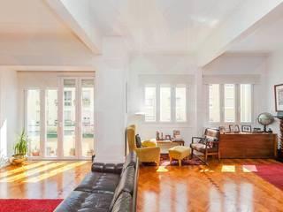 Remodelação de apartamento : Salas de estar  por moi-ark