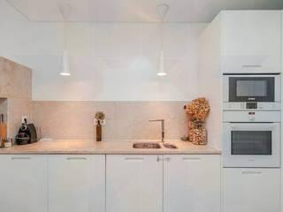 Remodelação de apartamento : Cozinhas  por moi-ark