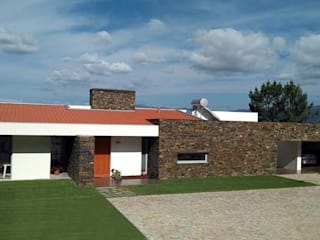entrada principal:   por Hugo Pereira Arquitetos
