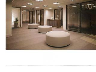 aulas universidad: Estudios y oficinas de estilo  por 253 ARQUITECTURA,Moderno