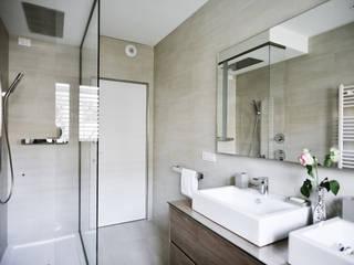 Abitazione privata - Carate Brianza Bagno moderno di CN Arredamento Design Srl Moderno