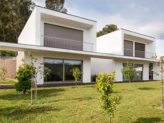 Casa FC: Casas  por GOA Arquitectos
