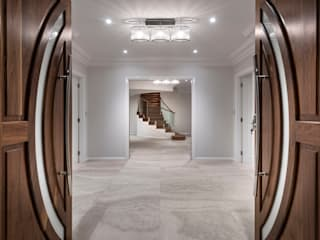Corridor and hallway by Moda Interiors, Classic