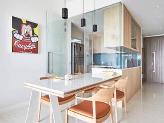 Sky Vue Scandinavian style dining room by Eightytwo Pte Ltd Scandinavian