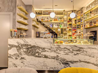NEGRONI: Bar & Club in stile  di MOB ARCHITECTS