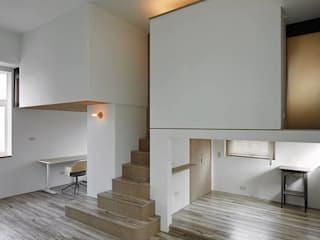 Tiny house in the tiny space 现代客厅設計點子、靈感 & 圖片 根據 Co*Good Design Co. Ltd. 現代風