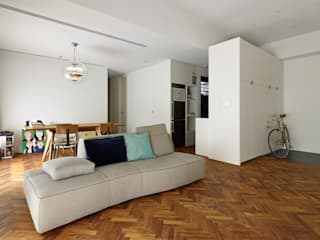 Co*Good Design Co. Ltd. Moderne Wohnzimmer