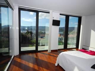 Boiro interior: Dormitorios de estilo  de Proyectopia