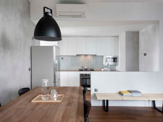 FORESQUE RESIDENCES Scandinavian style dining room by Eightytwo Pte Ltd Scandinavian