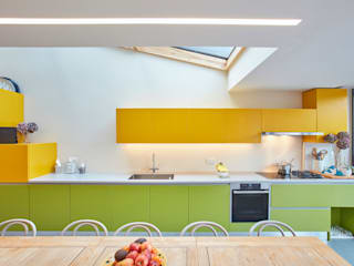 Kitty's Coloured House Modern style kitchen by Draisci Studio Modern
