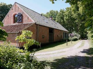 Restauratie boerderij Hengstmere:  Villa door ODM architecten - erfgoed & architectuur, Landelijk
