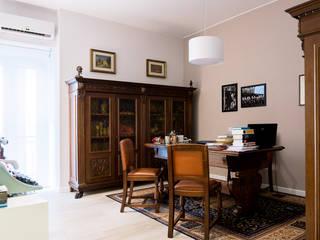 GRANDE RESTYLING DI UNO STUDIO LEGALE: Studio in stile in stile Classico di VITAE DESIGN STUDIO